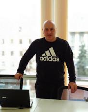 Менеджер по хозяйственной части - Удовиченко Павел Станиславович